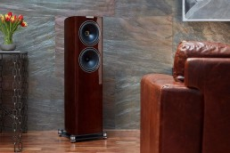 Fyne Audio - F702